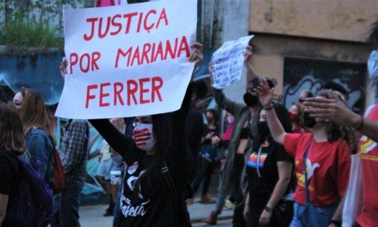 Ato-Mariana-Ferrer-Floripa2-Viviane-Rocha-Catarinas